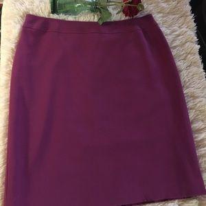 TAHARI- purple/skirt. Back zipper. 👚👡